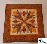 Vějíř z batik - ručně quiltováno