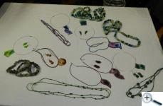 Hedvábné šperky
