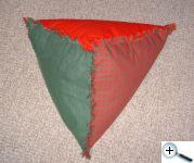 Polštář trojúhelníkový